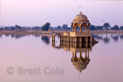 Temple on Gadi Sagar lake, Jaisalmer, Rajasthan, India
