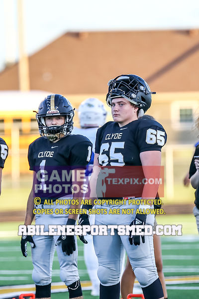 10-05-18_FB_Stamford_vs_Clyde80046