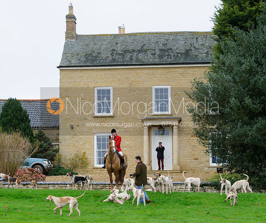 The Belvoir and VWH Hunts at Bescaby Hall 26/11