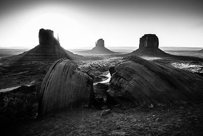 8925-Monument_Valley_National_Park_Arizona_USA_2014_Laurent_Baheux