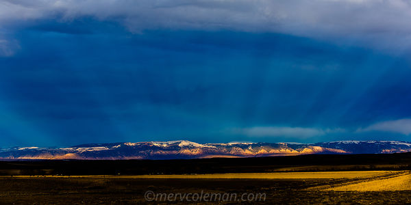 776 Light Rays Over The Bighorns
