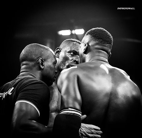 Paris Fight II: Pic of the day 208
