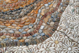 Decorative pebble paving. © Rob Whitworth
