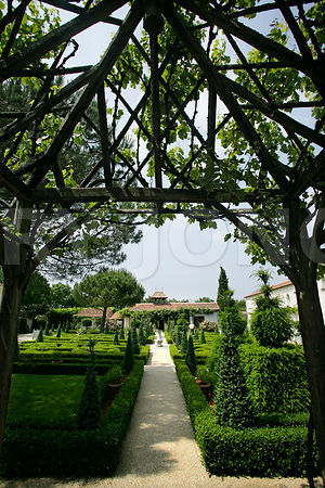 photo de la pergola du jardin du batiment
