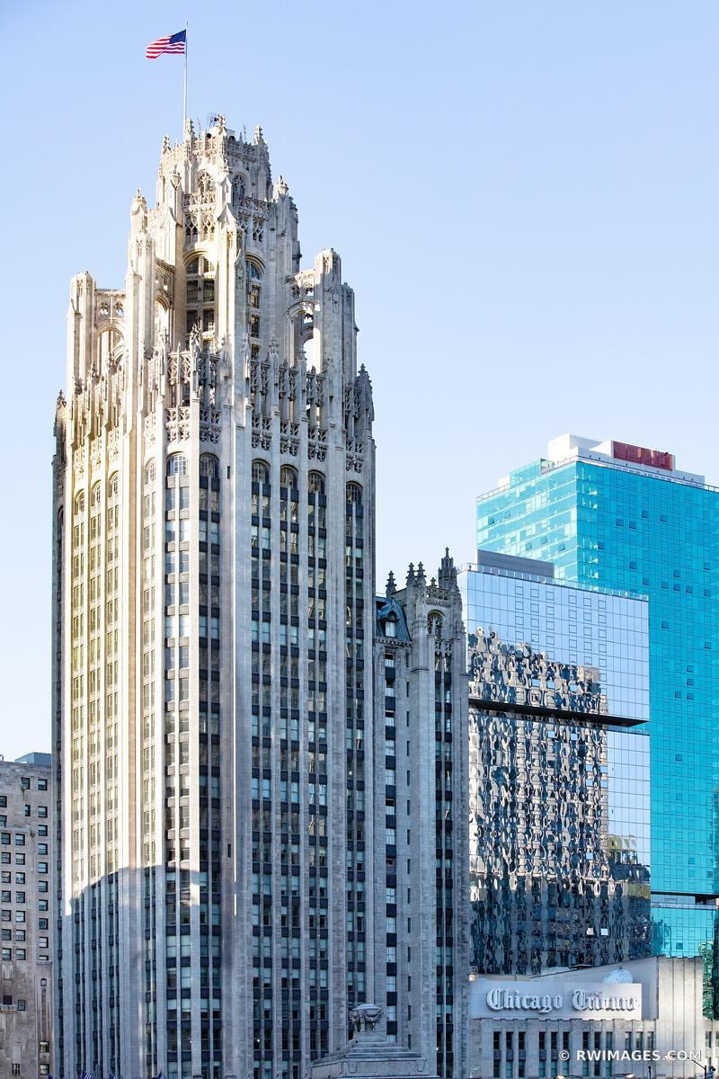 CHICAGO TRIBUNE TOWER DOWNTOWN ARCHITECTURE CHICAGO ILLINOIS COLOR VERTICAL