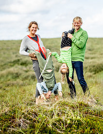 Danish family of four in the dunes 3