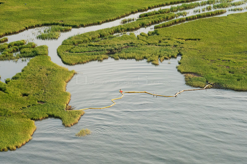 Aerial view of oil containment boom protecting Queen Bess Island, Grande Isle, Louisiana, Gulf of Mexico, USA, August 2010