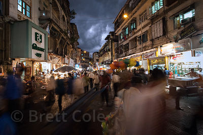 Nighttime view of a market in Buleshwar, Mumbai, India