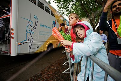 Children wait for Paralympic Torch
