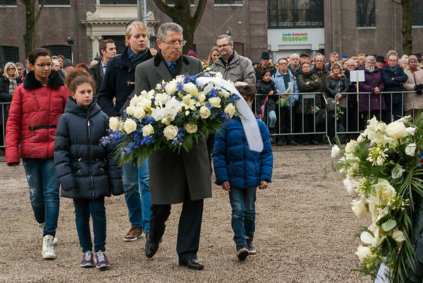 Haim Divon, Ambassador of Israel to the Netherlands, places flowers.