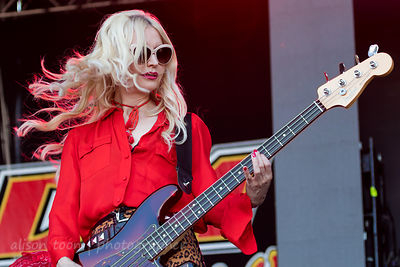 Jennie Vee, bass, Eagles of Death Metal