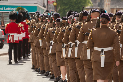 The Band of the Irish Guards and 142 Vehicle Squadron in 'line astern' as the parade approached Banbury Cross