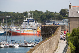 le port de concarneau vu des remparts de la ville close