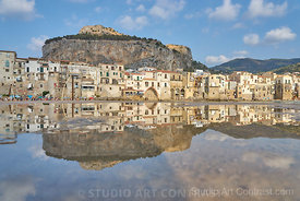 sicilia_cefalu_port_puddle_reflection_ville_montInstagram