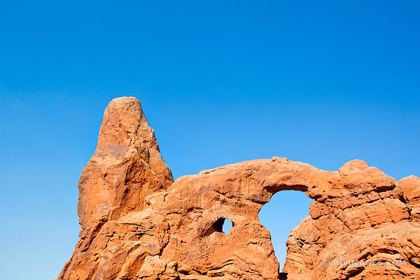 TURRET ARCH ARCHES NATIONAL PARK UTAH COLOR