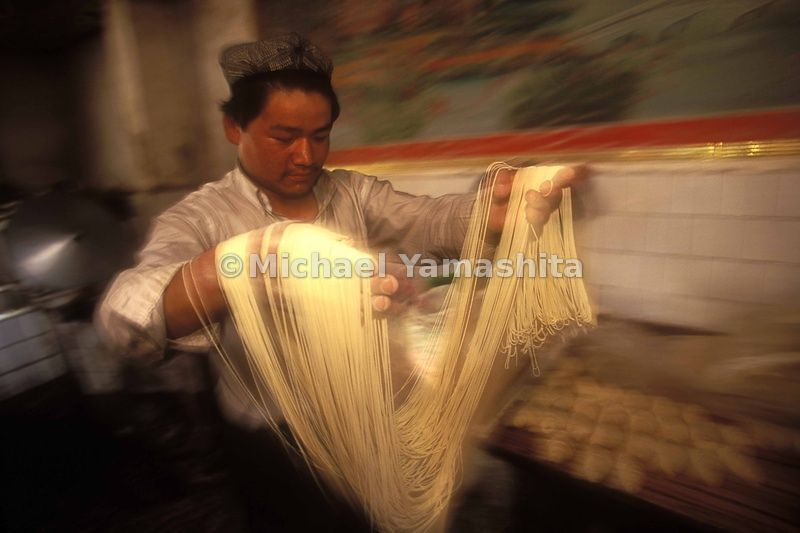 Tiao zi, literally  'pulled strings' are made only by hand.