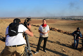 Members of the media the foreign and local press covering Battle for Kobani,.Les membres des médias de la presse étrangère et...