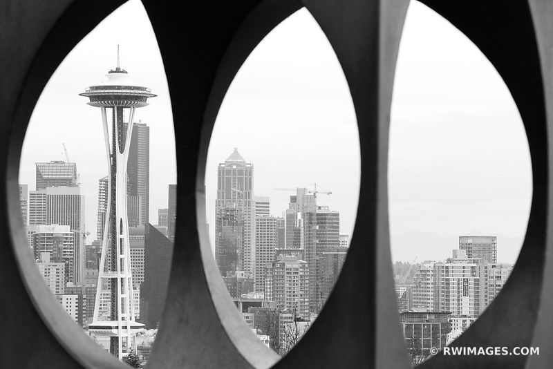 SEATTLE SPACE NEEDLE FROM KERRY PARK MODERN ART SCULPTURE BLACK AND WHITE