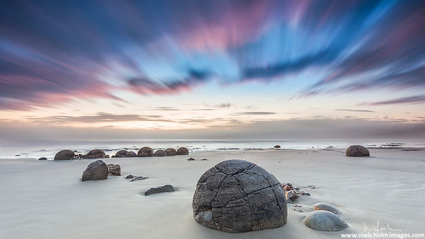 Long exposure of the Moeraki Boulders – New Zealand