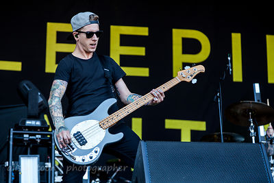 Justin Hills, bass, Sleeping With Sirens