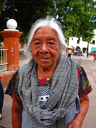 Mexican_Women_gray_hair