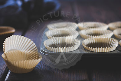 Paper Muffin Cups in Vintage Pan