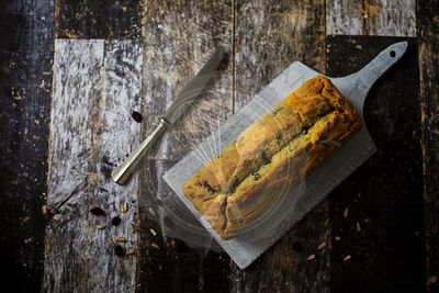 Quick, moist and buttery gluten free cake with cornflour, raisins and sunflower seeds