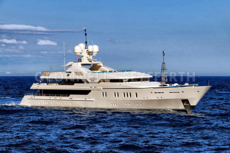 Superyacht Aquarius