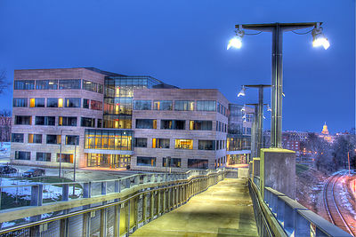 Iowa_College_of_Public_Health_HDR_Walkway
