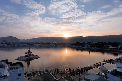 Sunrise over the lake and ghats of Pushkar, Rajasthan, India. Pushkar is an important Hindu pilgrimage site.