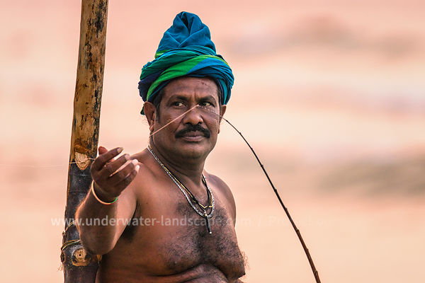 Sri lankan fisherman in action