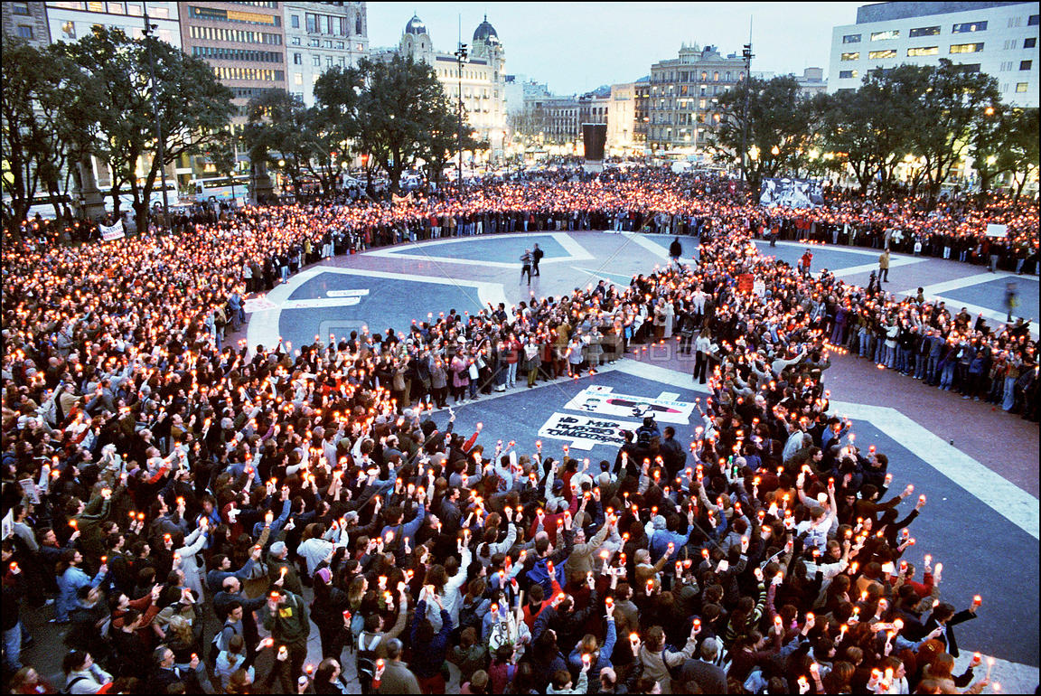 SPAIN Barcelona -- 03/2003 --  Thousands of people have been frequently holding anti-war demonstrations, such as this one in ...