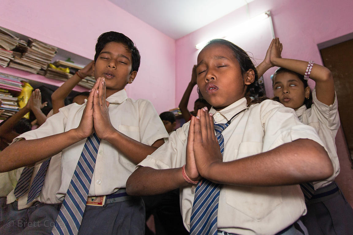 Students pray at a school in Varanasi, India operated by Dutch NGO Duniya (duniya.org)
