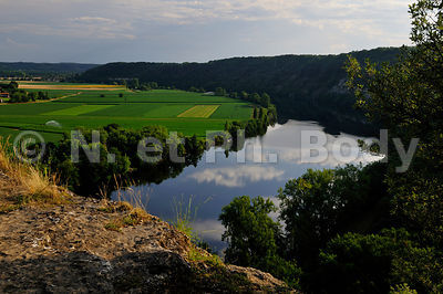 FRANCE, DORDOGNE, CINGLE DE TREMOLAT//FRANCE, DORDOGNE, MEANDER OF TREMOLAT