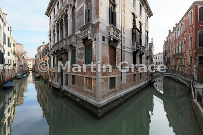 Typical Venetian buildings and waterways (Rio San Giovanni Laterano ramo basso - left; Fondamenta Tetta - right) from Ponte T...