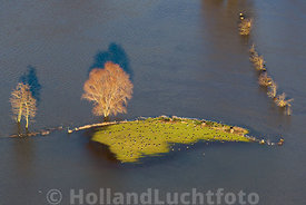 Deventer - Luchtfoto hoog water in de IJssel 02
