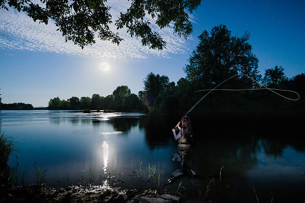 @jessicarowen #flyfishing yesterday evening under a #fullmoon on #willametteriver @corvallis_oregon