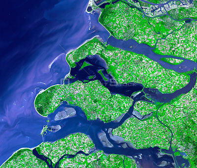 EARTH The Netherlands -- 24 Sep 2002 -- On the night of 31 January 31, 1953, a combination of high spring tides and a strong ...