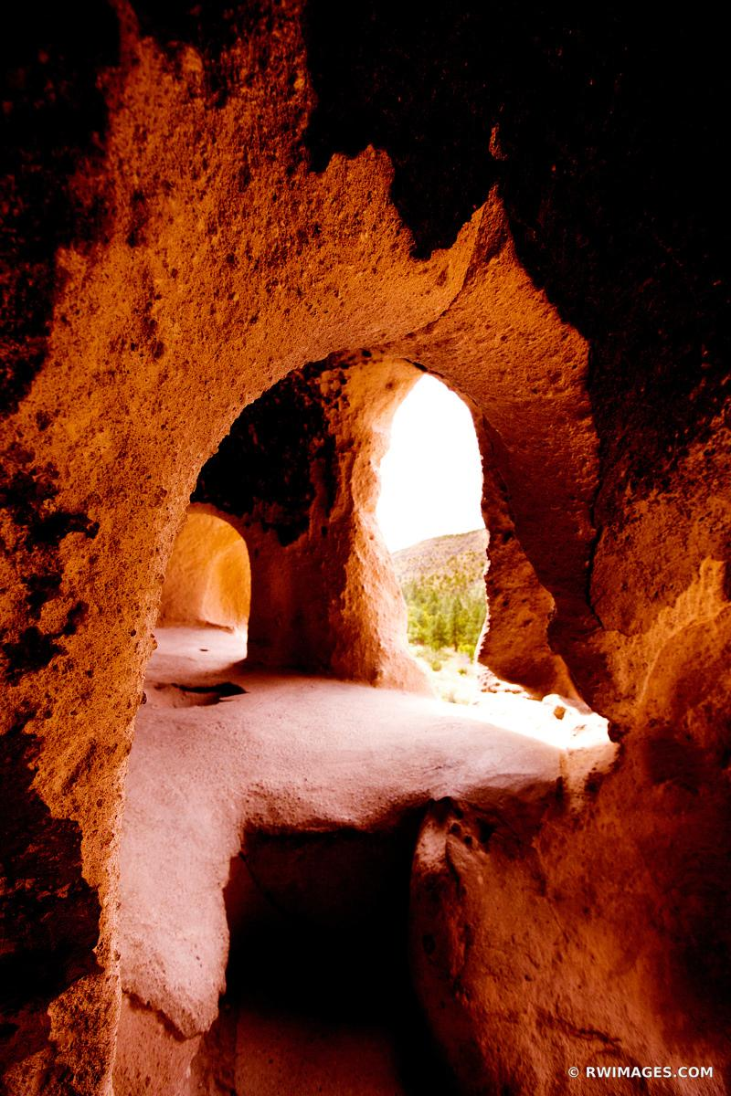 CLIFF DWELLINGS BANDELIER NATIONAL MONUMENT NEW MEXICO VERTICAL