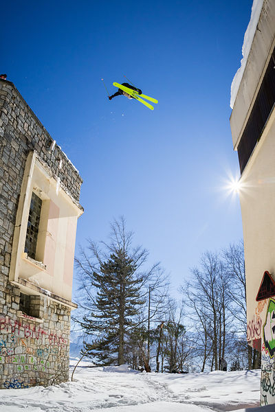 _U2A0694-etienne_merel_faction_faction_skis_freeski_freestyle_grenoble_st_hilaire_du_touvet_street_street_skiing_urbain_urban...