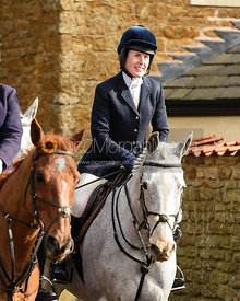 Chloe Newton arriving at the meet. The Belvoir Hunt at Springfield Farm 23/2