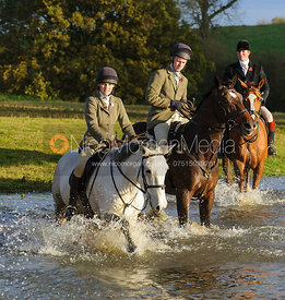 Washing off at Launde Abbey - The Cottesmore Hunt at Tilton on the Hill, 9-11-13