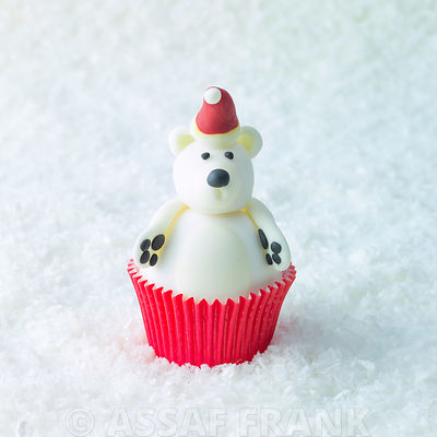 Christmas Bear cupcake on snow