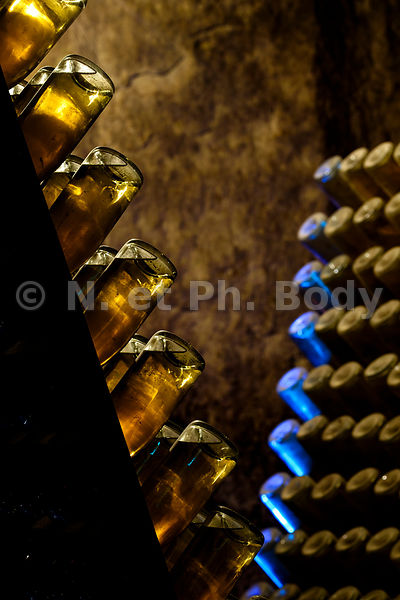 FRANCE, CAVE VIN PETILLANT//FRANCE, LOIRE VALLEY, PARKLING WINE CAVE
