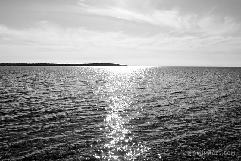 WASHINGTON ISLAND VIEWED FROM ROCK ISLAND DOOR COUNTY WISCONSIN BLACK AND WHITE
