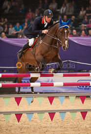 Scott Smith and Quintus 66 - Horse & Hound Senior Foxhunter Championship - HOYS 2011