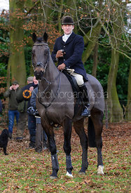 Russell Nearn - The Cottesmore Hunt at Ashwell Grange 9/12