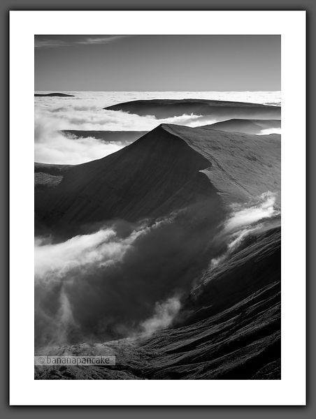 Cribyn Inversion, from Pen Y Fan - BP6639