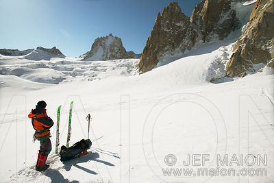 Skier in mountain landscape