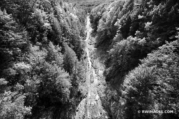 QUECHEE GORGE VERMONT BLACK AND WHITE